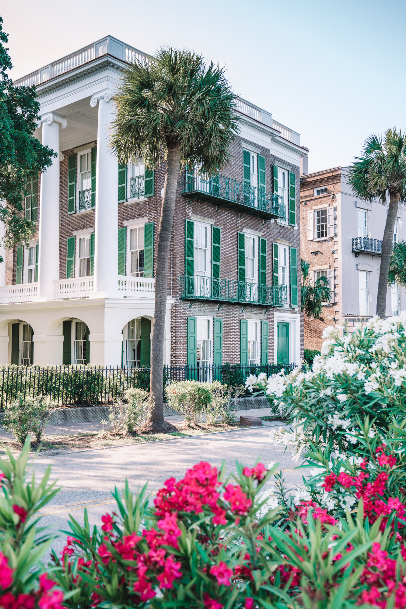 charleston sc visitors guide - antebellum southern home